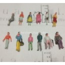 1:150 N scale mixed figures--for architectural model building
